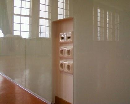 Liebert GmbH Glas Wandverkleidung